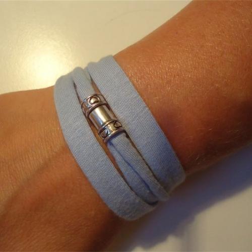 Armbandje_Licht_blauw